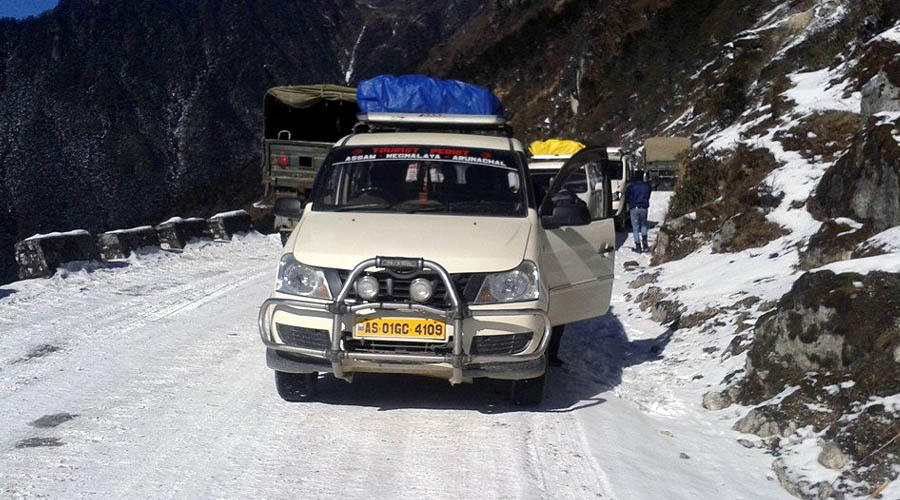 taxi for tawang tour package